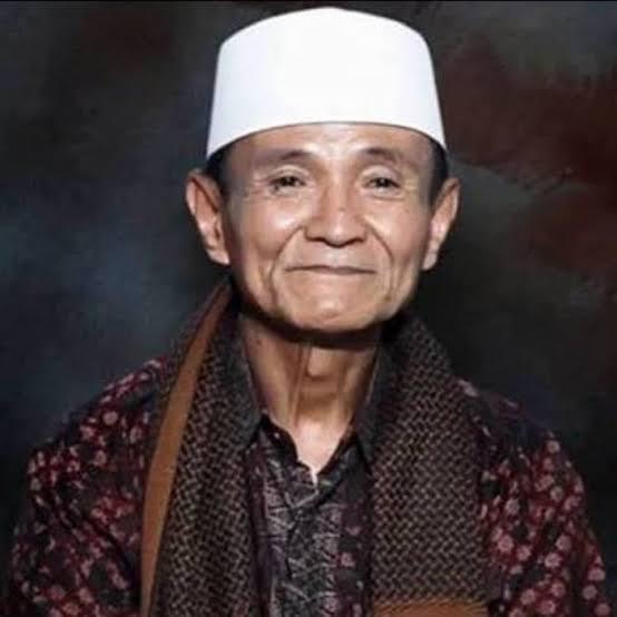 Buya Syakur Yasin,Kiai Indramayu,Tasawuf,Kiai Berilmu Tinggi,Pondok Pesantren Cadangpinggan