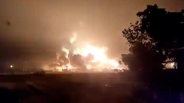 kebakaran kilang minyak pertamina balongan