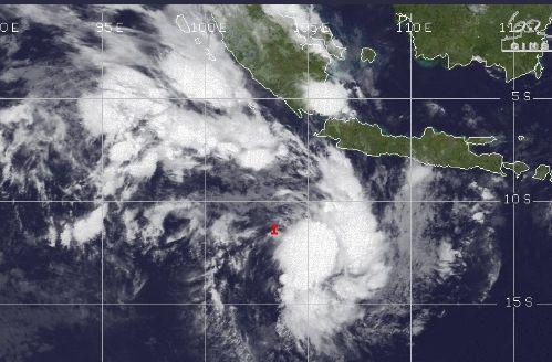 citra satelit minggu 4 april 2021 mengenai pertumbuhan badai 90s di barat daya banten. twitter @infomitigasi